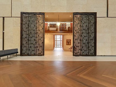 Barnes06a - Entrance to Gallery.jpg