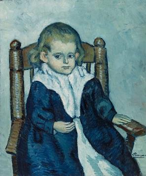 肘掛け椅子に座る子供.jpg